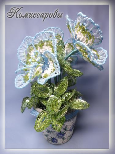 деревья, цветы из бисера.